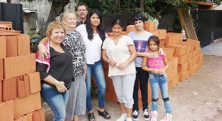 La matanza municipalidad asisti a familia damnificada for Municipalidad la matanza